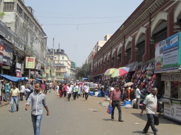 Kolkata street scene: yet more shopping