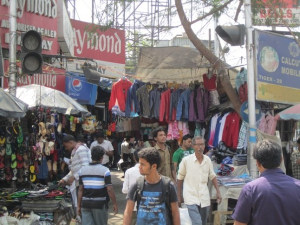 Kolkata street scene: it's starting to get crazy.