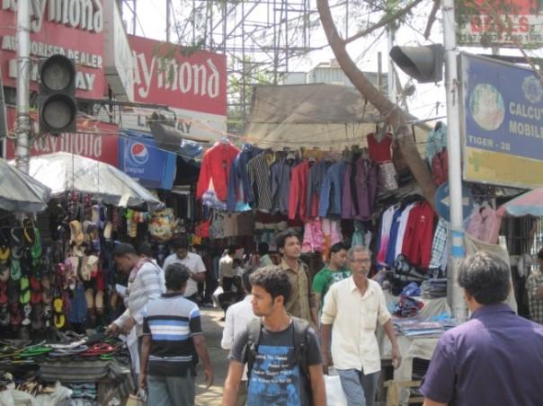 Kolkata street scene: it's starting to get crazy.