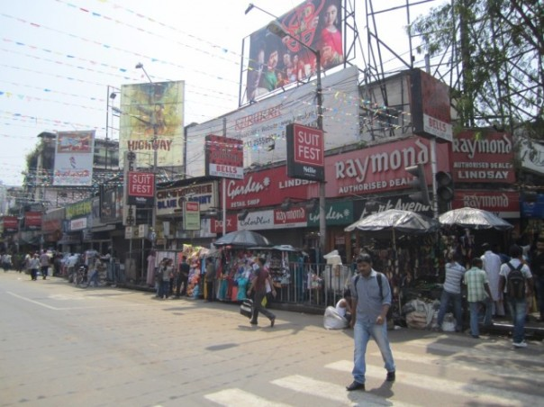 Kolkata street scenes, more shopping